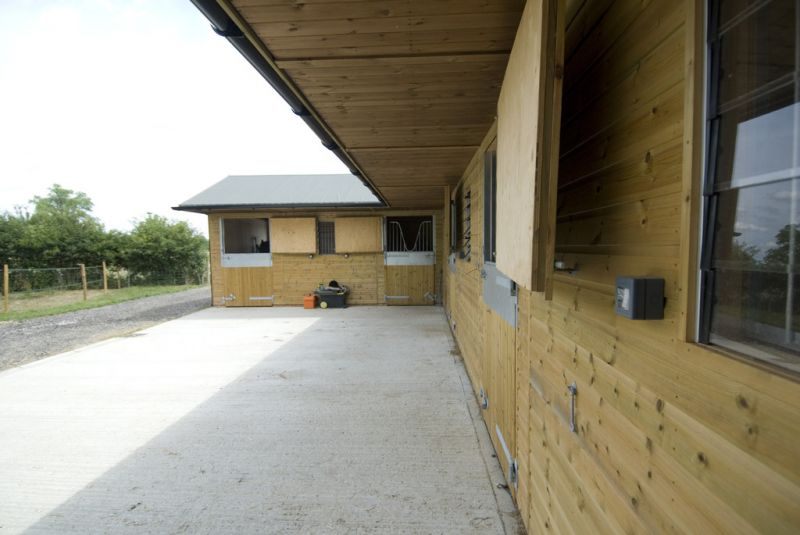 Timber Loose Boxes, Tack Rooms and Haystores